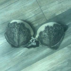 Beautiful Victoria Secret Bra size 38 C